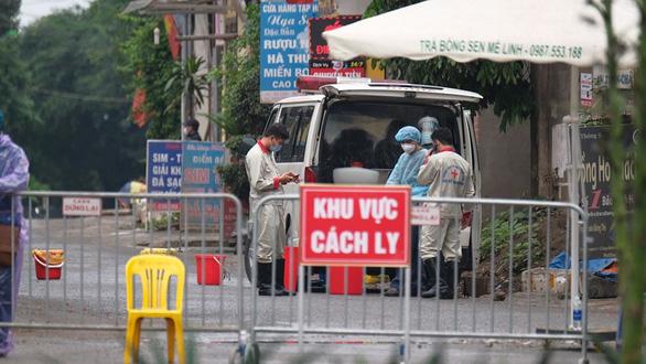 Thủ tướng Nguyễn Xuân Phúc: Cần nới lỏng một bước, nhưng vẫn phải kiểm soát đúng mức - Ảnh 2.