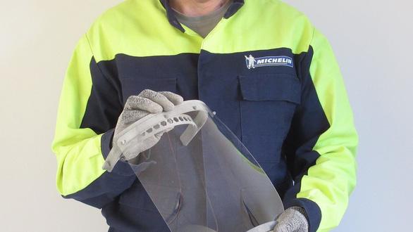 Michelin mở lại 3 xưởng cũ để sản xuất khẩu trang và máy thở - Ảnh 1.