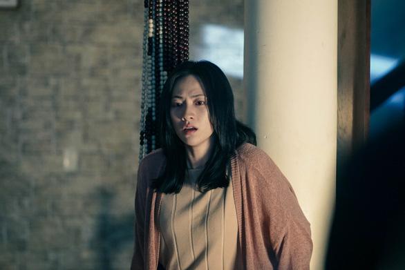 Phương Anh Đào vào vai nhân chứng mù phim trinh thám Bằng chứng vô hình - Ảnh 1.