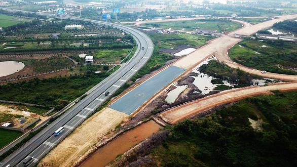 Chuyển 8 dự án đường cao tốc Bắc - Nam sang đầu tư công, khởi công trong tháng 8 - Ảnh 1.