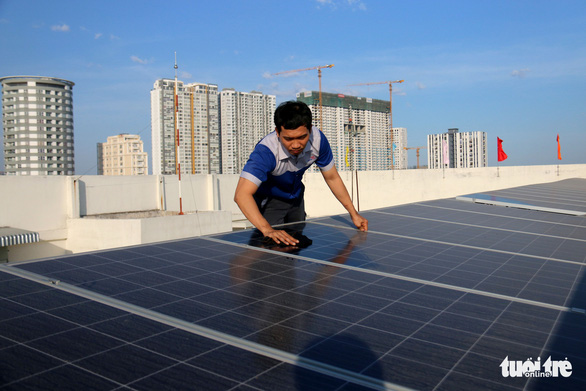Vẫn sôi động điện mặt trời áp mái - Ảnh 1.