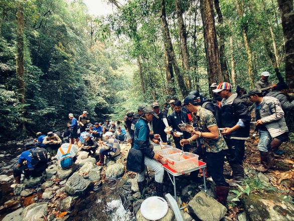Phim Tà Năng Phan Dũng gây tranh cãi vì lấy cảm hứng từ tai nạn thảm khốc - Ảnh 2.