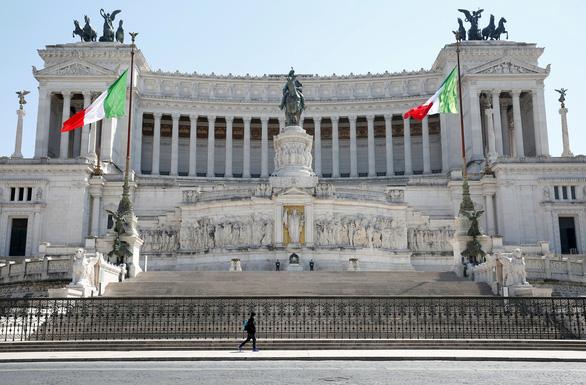 Sợ thảm họa kinh tế, chính quyền Ý bị thúc giảm phong tỏa - Ảnh 1.