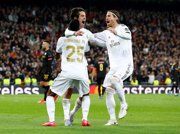 Cầu thủ Real Madrid đồng ý giảm lương vì COVID-19 - Ảnh 1.