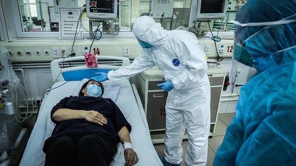 Chạy đua tìm thần dược - Kỳ cuối: Tìm thuốc điều trị bệnh nhân COVID-19 ở Việt Nam - Ảnh 3.