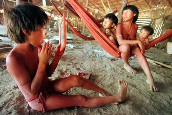 Dịch COVID-19 lan tới Amazon, đã có thổ dân đầu tiên mắc bệnh - Ảnh 2.