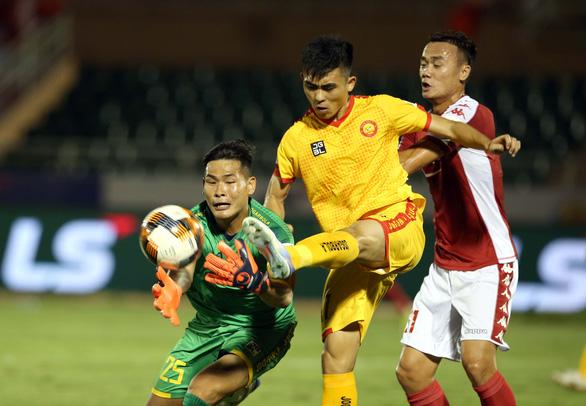 CLB Thanh Hóa thực hiện giảm lương nhiều nhất V-League - Ảnh 1.