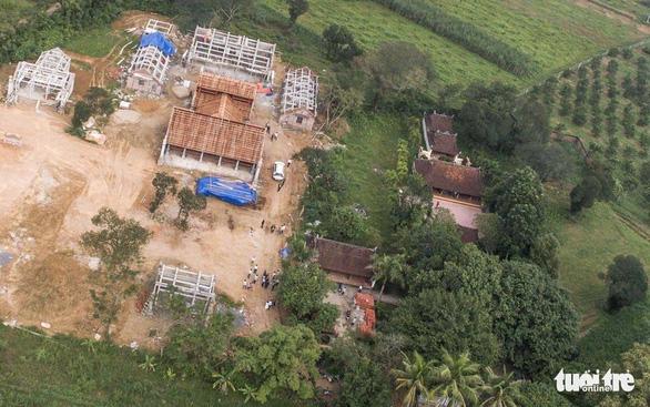 Dân tháo dỡ chùa Linh Sâm triệu đô xây 'chui' trên đất di tích quốc gia - Ảnh 3.
