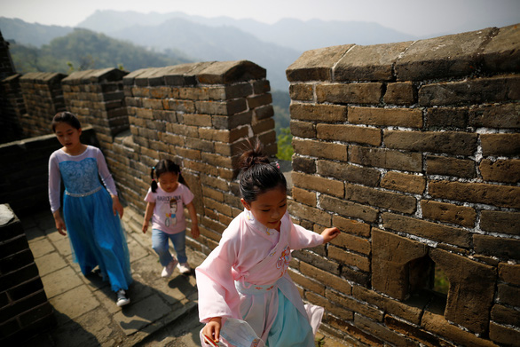 Dịch COVID-19 chiều 1-5: Việt Nam 0 ca mới, Trung Quốc rời nhóm 10 nước có số ca nhiễm cao nhất