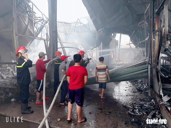 Bắt nam công nhân đốt sản phẩm xem có cháy không rốt cuộc cháy công ty, thiệt hại 60 tỉ đồng - Ảnh 2.