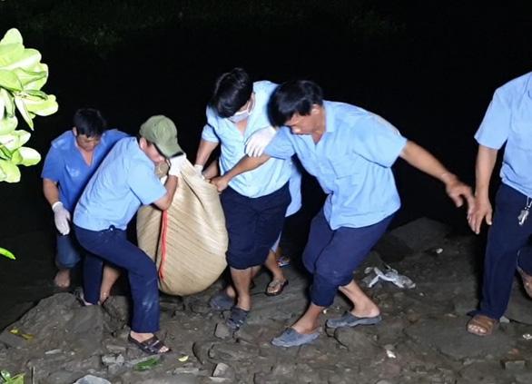 Học sinh lớp 8 chết đuối khi tắm sông Sài Gòn - Ảnh 1.