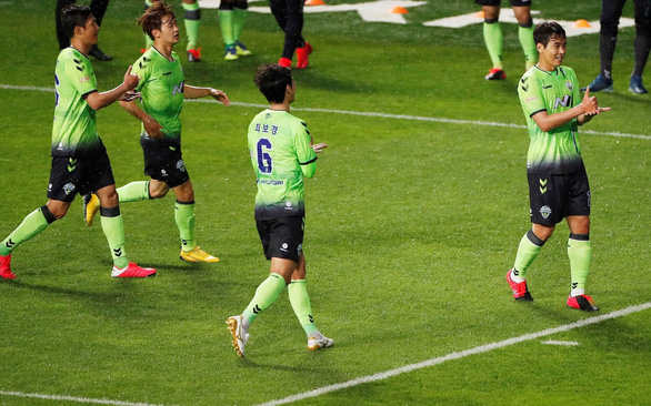Lão tướng 41 tuổi khai hỏa K-League - Ảnh 1.