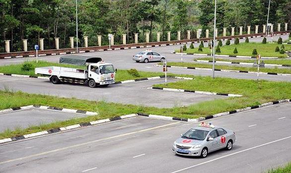 TP.HCM tổ chức thi sát hạch cấp giấy phép lái xe trở lại từ 15-5 - Ảnh 1.