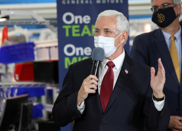 Phó tổng thống Mỹ Mike Pence bác tin tự cách ly sau tiếp xúc gần với người nhiễm COVID-19 - Ảnh 1.