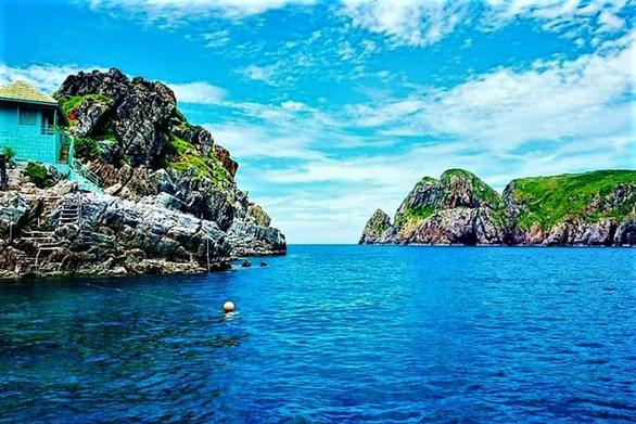 Khu bảo tồn biển Hòn Mun đón khách trở lại - Ảnh 2.