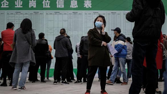 Số người thất nghiệp khó đo đếm: Thiên nga đen của Trung Quốc - Ảnh 3.
