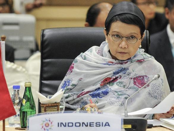 Indonesia lên án tàu cá Trung Quốc đối xử với       ngư dân như nô lệ - Ảnh 1.