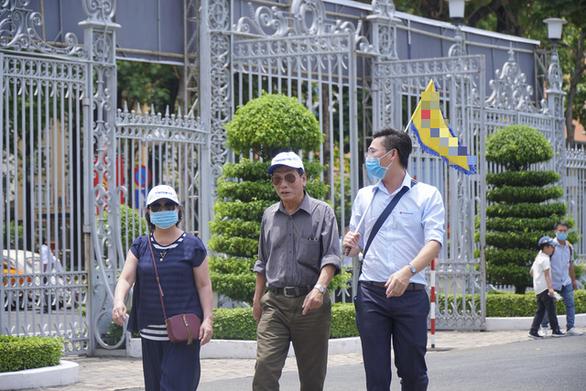 Sài Gòn có gần 6.000 HDV du lịch, chưa đến 10 người được nhận tiền hỗ trợ - Ảnh 1.
