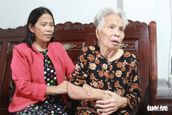 Người đàn bà ngược bão đến làng Vân - Ảnh 1.