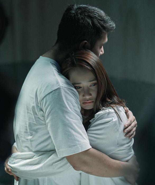 Nhã Phương đóng cặp Trương Thế Vinh trong phim giật gân Song song - Ảnh 2.