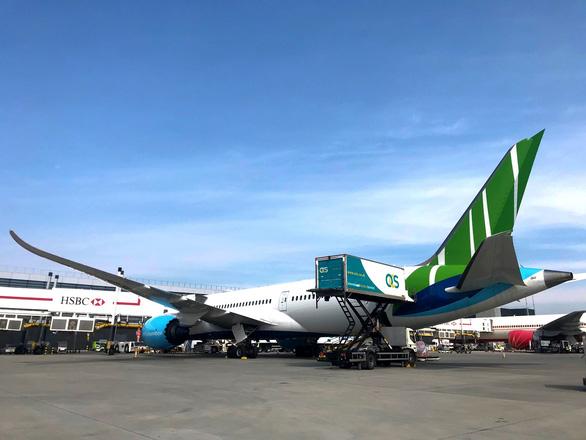 Bamboo Airways đưa công dân Anh và EU hồi hương trên chặng Hà Nội - London - Ảnh 5.