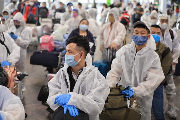Đưa 340 công dân Việt Nam từ Nga về nước, cách ly tại Vân Đồn - Ảnh 2.