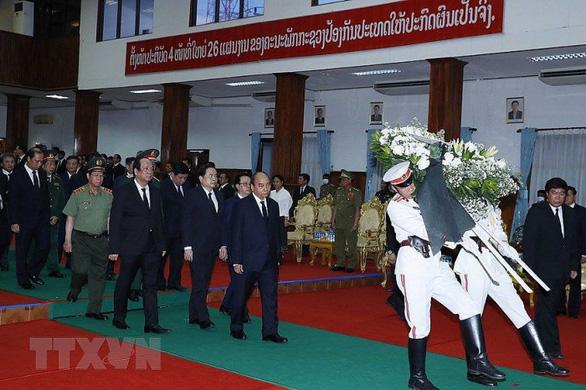 Thủ tướng Nguyễn Xuân Phúc dự quốc tang Đại       tướng Lào Sisavath Keobounphanh - Ảnh 1.