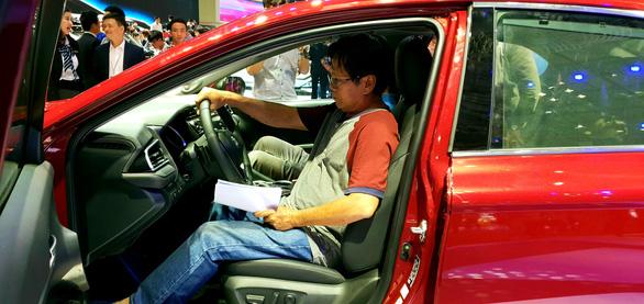 Toyota Việt Nam triệu hồi gần 30.000 xe Camry, Innova, Corolla lỗi nguy hiểm - Ảnh 1.