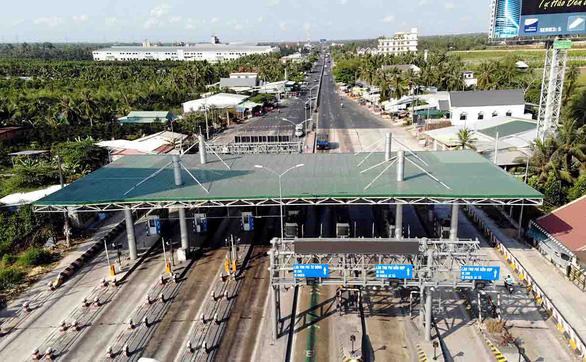 Dự án BOT giao thông hụt nguồn thu:  Bỏ cũng dở, ở không xong - Ảnh 1.