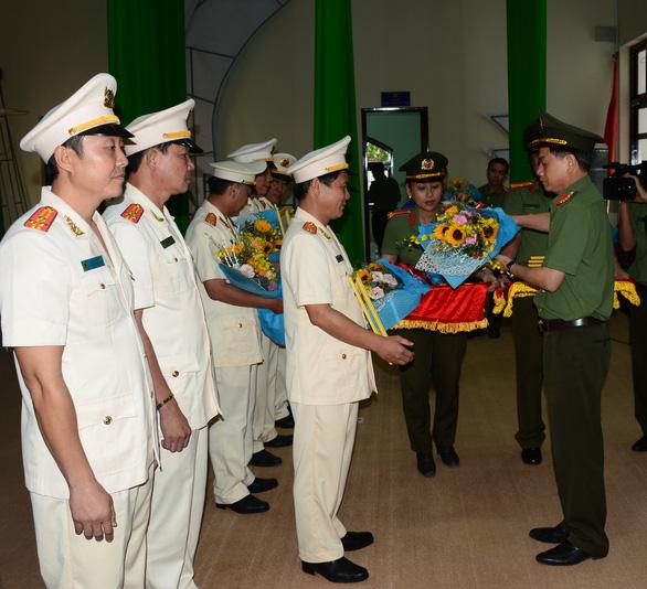 Công an Bình Dương, Bình Thuận: điều chuyển hàng loạt lãnh đạo phòng - Ảnh 1.