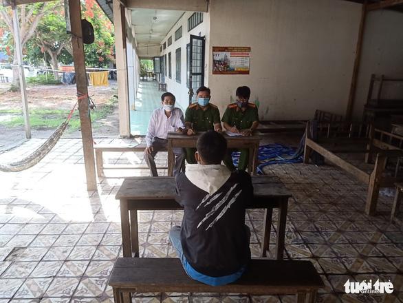Thanh niên bỏ trốn khỏi khu cách ly ở An Giang đã ra trình diện - Ảnh 1.