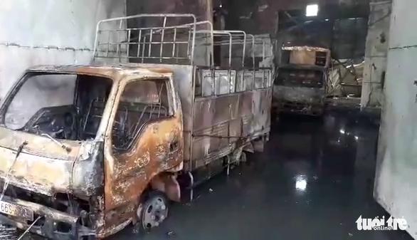 Khởi tố vụ nam công nhân đốt sản phẩm xem có cháy không rốt cuộc cháy luôn công ty - Ảnh 3.