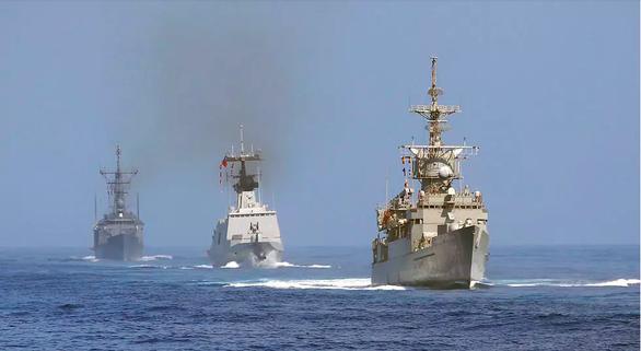 Pháp đáp trả Trung Quốc vụ nâng cấp tàu chiến Đài Loan: Hãy tập trung chống dịch - Ảnh 1.