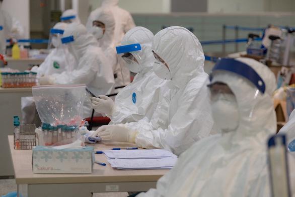 Việt Nam thêm 8 ca COVID-19 mới, chuẩn bị đón 116 công dân mắc bệnh ở châu Phi - Ảnh 1.