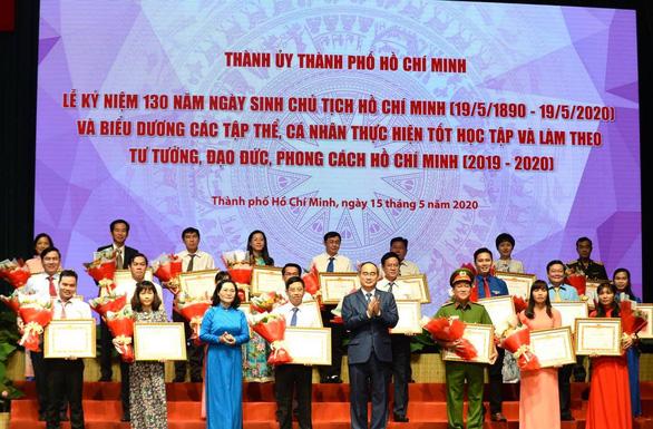 Tuyên dương tập thể, cá nhân điển hình học tập và làm theo tư tưởng, đạo đức, phong cách Hồ Chí Minh - Ảnh 1.