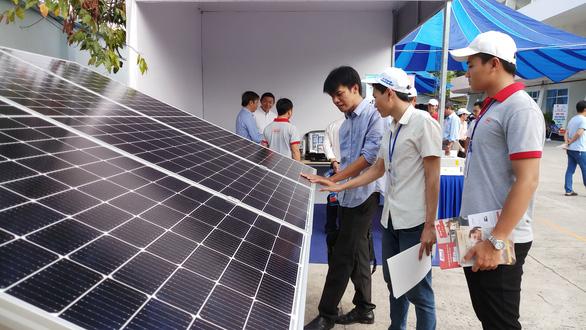 EVNSPC kêu gọi doanh nghiệp hợp tác phát triển điện mặt trời áp mái - Ảnh 1.