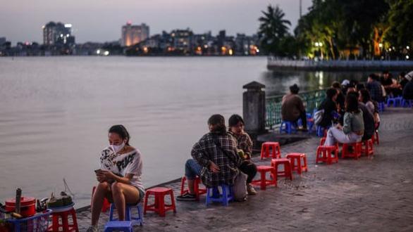 Việt Nam sau giãn cách và thành phố của những nụ cười trong mắt khách Tây - Ảnh 2.