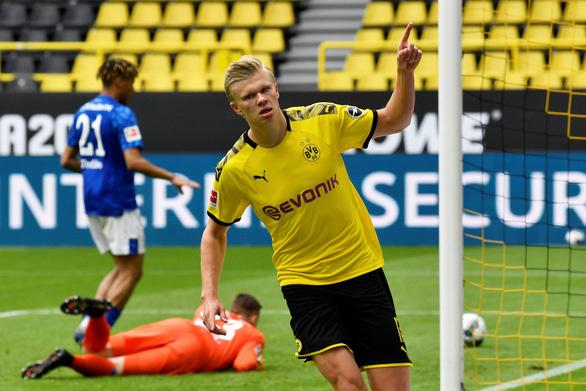 Dortmund đại thắng Schalke ngày Giải vô địch Đức trở lại - Ảnh 1.