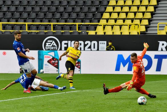 Dortmund đại thắng Schalke ngày Giải vô địch Đức trở lại - Ảnh 2.