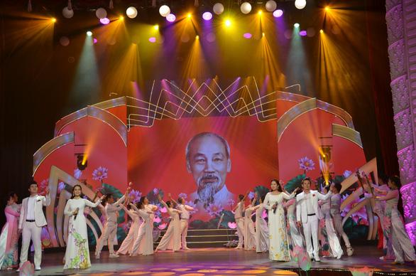 Phát sóng đêm nhạc Hồ Chí Minh - Chân dung một con người vĩ đại - Ảnh 4.