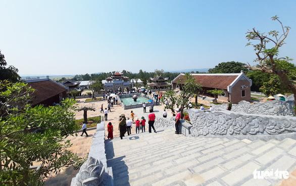 Thủ tướng dự lễ khánh thành đền thờ gia tiên Chủ tịch Hồ Chí Minh - Ảnh 3.
