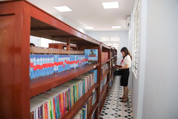 Hơn 1.000 đầu sách cho thư viện huyện Lý Sơn - Ảnh 1.