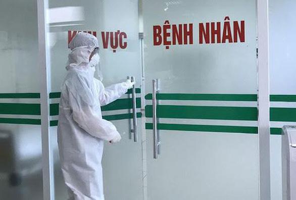 Thêm 2 ca COVID-19 từ Nga về đã cách ly ngay, Việt Nam có 320 ca - Ảnh 1.