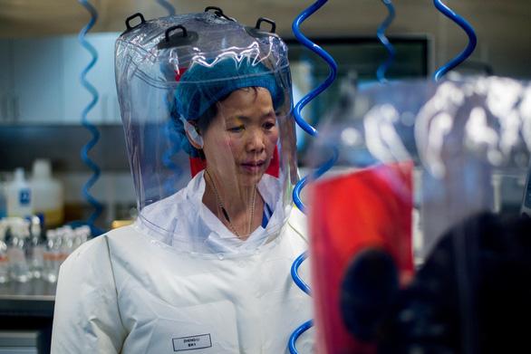 Nhà virus học ở Vũ Hán bác tin đồn bỏ trốn khỏi Trung Quốc - Ảnh 1.