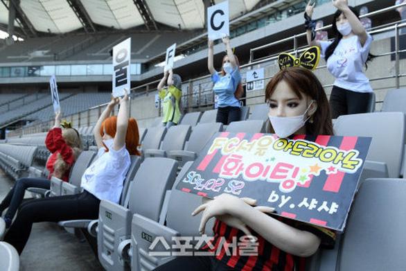 Chùm ảnh K-League sử dụng Búp bê bơm hơi để khán đài không...quá lạnh  - Ảnh 4.
