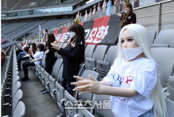 Chùm ảnh K-League sử dụng Búp bê bơm hơi để khán đài không...quá lạnh  - Ảnh 5.