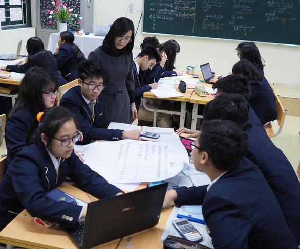 Học sinh trung học có thể lấy điểm kiểm tra từ bài thực hành, thuyết trình - Ảnh 1.