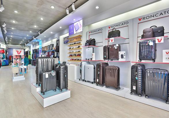 KOS - Hệ thống phân phối vali Made in Italy chính hãng tại Việt Nam - Ảnh 1.