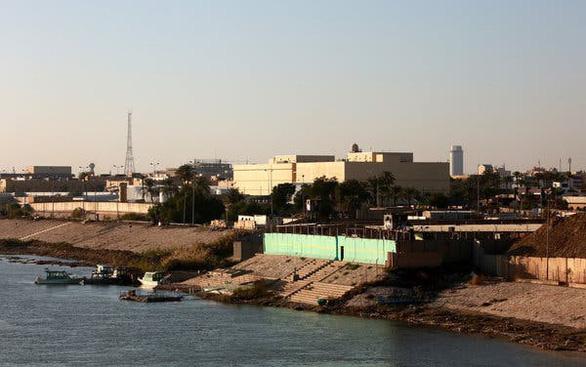Rocket bắn vào khu vực gần Đại sứ quán Mỹ tại Baghdad, Iraq - Ảnh 1.