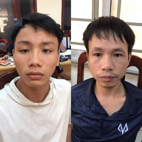 CĐV Nam Định bắn pháo sáng trúng đùi cô gái ở sân Hàng Đẫy bị phạt 4 năm tù - Ảnh 1.